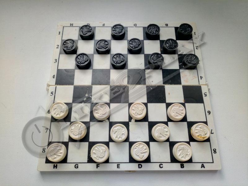 как расставить шашки