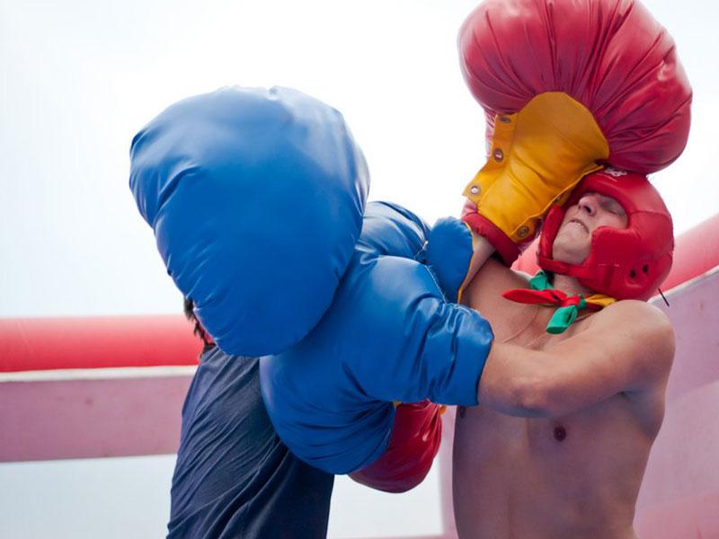 Батут гигантский надувной ринг