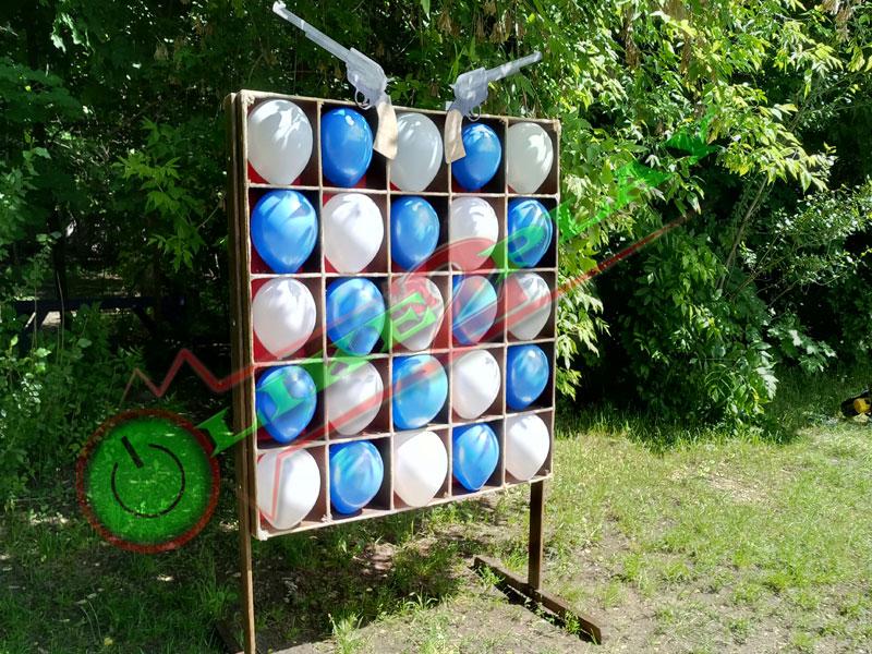 Лопать шарики дротиками