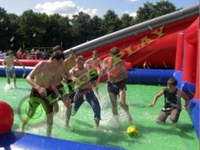 скользский футбол,скользить, скользко, футбол, waterball, водный футбол
